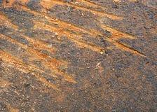 Gammal smutsig tegelstenyttersida med djupa skrapor Fotografering för Bildbyråer
