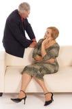 gammal sofakvinna för man Royaltyfri Foto