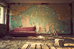 gammal soffa arkivfoto