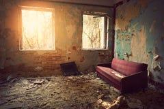 gammal soffa royaltyfri fotografi