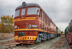 Gammal sovjetisk diesel- lokomotiv Fotografering för Bildbyråer