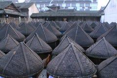 Gammal soyafabrik på en borggård i Kina Royaltyfri Fotografi