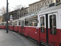 Gammal spårvagn i Wien arkivbilder