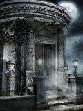 Gammal spöklik mausoleum royaltyfri illustrationer
