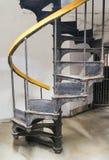 gammal spiral trappuppgång Fotografering för Bildbyråer