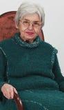 gammal ståendekvinna Royaltyfri Fotografi