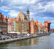 Gammal stad av Gdansk på den Motlawa floden, Polen Arkivbild