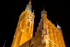 Gammal stad av Gdansk på natten, Polen Arkivfoton
