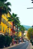Gammal stad av Grasse, stad i Provence som är berömd för dess doftbransch, historiska byggnader i mitten av grasse, Frankrike Arkivfoton