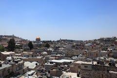Gammal stad av Jerusalem med kupolen av vagga Arkivfoto