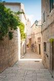 Gammal stad av Rab på ön av Rab, Kroatien, en charmig historisk stad fotografering för bildbyråer