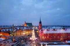 Gammal stad av Warszawa på skymning i Polen Royaltyfria Bilder