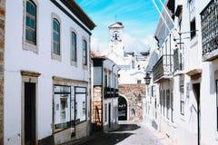 Gammal stad för arkitektur i Faro, Portugal arkivbild