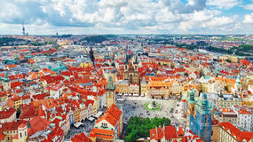 Gammal stad för område av Prague, över mitten av staden för republiktown för cesky tjeckisk krumlov medeltida gammal sikt Arkivfoto
