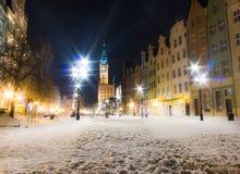 Gammal stad Gdansk Polen Europa för stadshus. Vinternattlandskap. Royaltyfri Foto