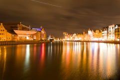 Gammal stad Gdansk vid natt Arkivbild