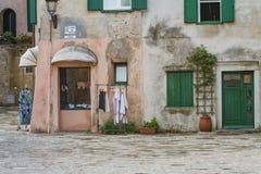 Gammal stad Grado, Italien royaltyfria foton