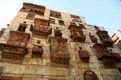 Gammal stad i Jeddah, Saudiarabien som är bekant som historisk Jeddah för ` `, Gamla och arvbyggnader och vägar i Jeddah när du s royaltyfria bilder