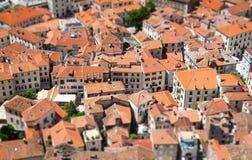 Gammal stad i Kotor med lutande-förskjutning effekt Montenegro royaltyfria foton