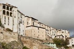 Gammal stad i molnigt väder Arkivbilder