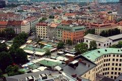 Gammal stad i Munich, Tyskland - 20 06 2016 Royaltyfri Foto