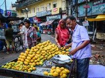 Gammal stad i Varanasi, Indien Arkivfoton