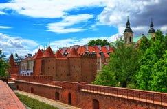 Gammal stad i Warszawa, sikten av vakttorn royaltyfri bild