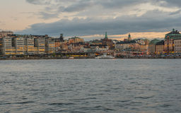 Gammal stad med skymningtidsikt Royaltyfri Fotografi