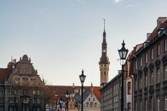 Gammal stad och townhall av den Tallinn staden Royaltyfria Foton
