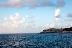 Gammal stad San Juan från havet Royaltyfri Bild