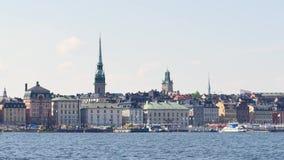 Gammal stad, stockholm i sommar arkivfilmer