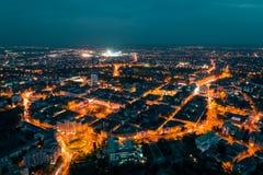 Gammal stad Timisoara i natten arkivfoto