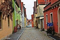 Gammal stadfärggata Fotografering för Bildbyråer