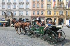 Gammal stadfyrkant i den Prague Tjeckien arkivfoton