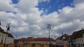 Gammal stadfyrkant i mitten av Sibiu arkivfoton