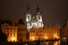 Gammal stadfyrkant Prague i natt Royaltyfria Bilder