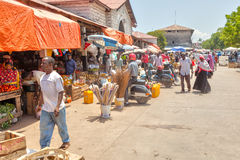 Gammal stadmarknad under den ljusa solen Royaltyfri Fotografi