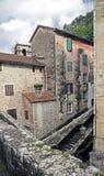 gammal stadskotor Arkivfoto