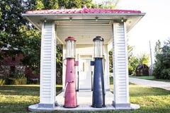 gammal station för gas fotografering för bildbyråer