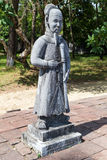 Gammal staty i imperialistiska Minh Mang Tomb i ton Royaltyfri Foto