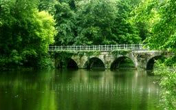 gammal sten för bro Arkivbild