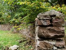 gammal stenvägg royaltyfria foton