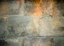 gammal stenvägg för bakgrund royaltyfria foton