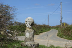 Gammal stenvägmarkör Cornwall England Royaltyfria Bilder