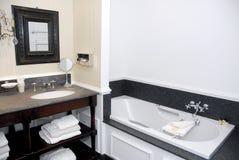 gammal stil för badrumhotell Arkivfoto