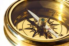 gammal stil för kompassguld royaltyfria bilder