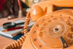 Gammal-stil roterande telefonnummer Arkivbilder