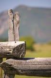 gammal stolpe för staket arkivfoton
