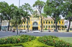 Gammal stolpe - kontor, Saigon, Vietnam Royaltyfria Foton