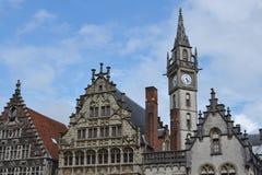 Gammal stolpe - kontorstorn i Ghent, Belgien Fotografering för Bildbyråer
